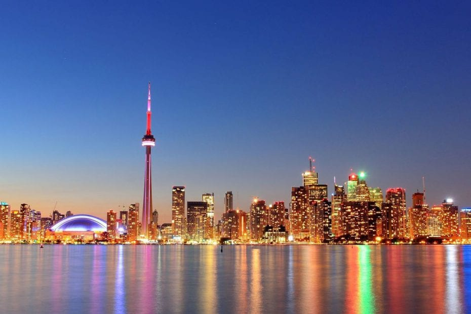 best places to take pictures in Toronto