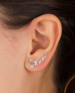 OOMPH Every Look With 15 Different Types of Earrings 7
