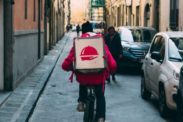 Top 10 Cool Advantages of Food Delivery Apps 4