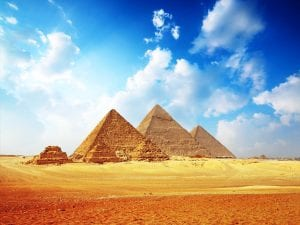 Egyptians building Pyramids
